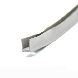 25x25mm M6 Rohreinsatz mit Metallgewinde